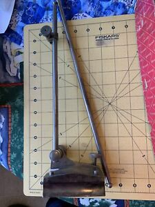 Starrett Surface Gage No 257 D Original Box Base With 2 Spindles