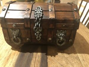 Vintage Wooden Lion Head Gothic Treasure Chest Jewelry Trinket Box With Tray Mcm
