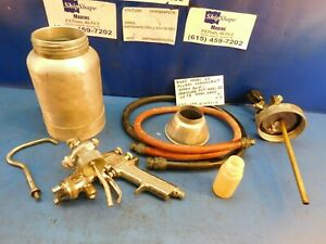 Binks Model 69 Plural Component Pressure Pot Spray Gun And Canister