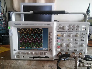Tektronix Tds3054b 500mhz 5gs s Oscilloscope Tested Tds3trg Tds3fft