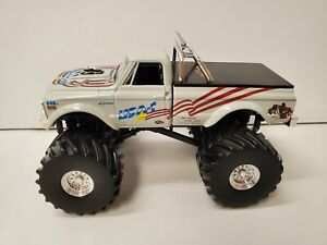Greenight Collectibles 143 Monster Truck 1970 Chevy K 10 Usa 1 Kings Of Crunch
