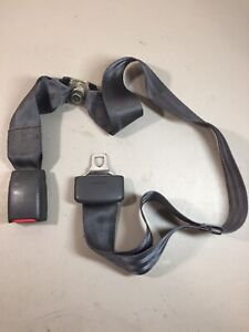 1993 1997 Toyota Corolla Rear Bench Middle Right Seat Belt Buckle Insert Clip