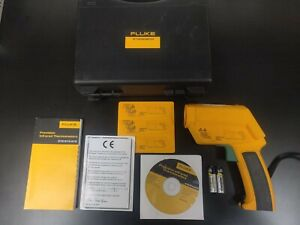 Fluke 572 Non Contact Handheld Infrared Thermometer Ir Case Manual Extras