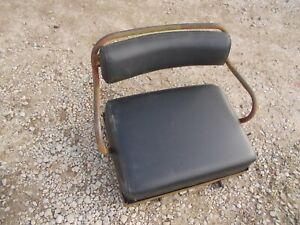 International 300 350 Ih Utility Tractor Deluxe Seat Assembly W Cushions
