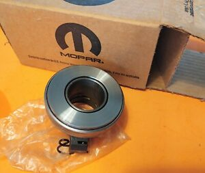 Nos Mopar A833 18 Spline Clutch Release Throw Out Bearing Hemi 440 Gtx R T Cuda