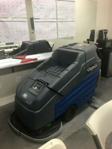 Windsor Saber Sc326 Autoscrubber Great Condition Brand New Batteries Squeeges