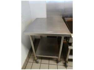 Restaurant Equipment Stainless Steel Preparation Work Table 30 X 48 W Casters