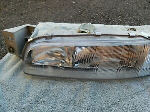 1993 1997 Mazda 626 Headlight Lamp Assembly Front R l Side 0336809 Used
