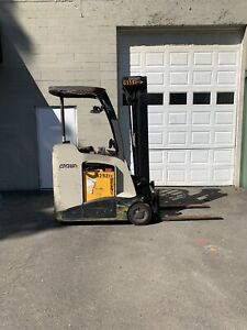 2012 Crown Forklift Rc5500 Electric