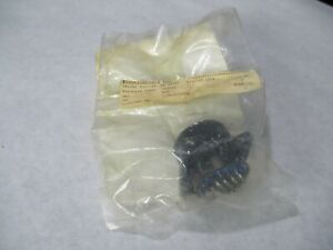 New Amphenol 97 3102a 24 28 Mil Spec 24 Pin Receptacle
