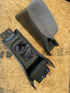 94 01 Acura Integra Oem Center Console Arm Rest Shifter Boot W Cup Holders
