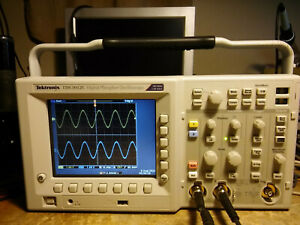 319 Hours Tektronix Tds3052c 500 Mhz 5gs s 2 Channel Oscilloscope Dso Fft Trg
