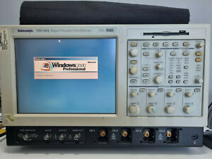 Tektronix Tds7404 Digital Phosphor Oscilloscope 4 Ghz 4 Ch for Parts Only