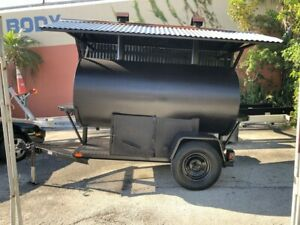 Bbq smoker 500 Gallon Tank On Trailer pull Out Racks wood Or Gas fresh Paint