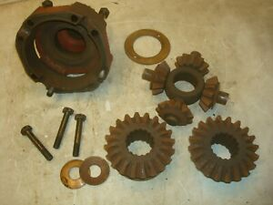 1957 Ford 861 Tractor Rearend Differential Spider Gears Housing Parts 800
