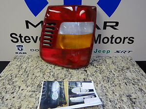 99 02 Jeep Grand Cherokee Taillamp Tail Lamp Light Stop Turn Passenger Mopar Oem