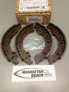 2000 2005 Echo Rear Brake Shoes New Genuine Toyota Oem 04495 52010
