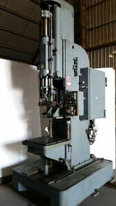 Micromatic Model 723 Vertical Honing Machine