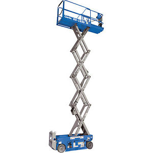 Genie Self propelled Scissor Lift Aerial Work Platform 19ft Lift 500lb Cap