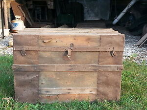 Early 1900 S Trunk