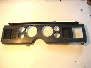 Ford Mustang Dash Instrument Cluster Bezel With Two Vents 1986