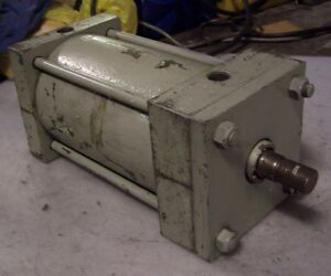 Hydraulic Cylinder 4 1 2 Bore 6 Stroke 1 2 Npt Clevis Mount