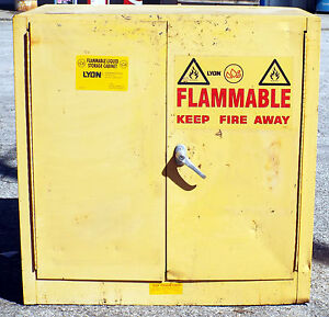 1 Used Lyon 5467 22 Gallon Flammable Liquid Storage Cabinet make Offer