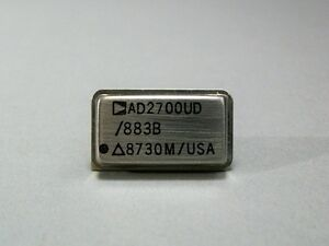 Analog Devices Ic Ad2700ud 10v Electronic Component Gold Leads Nos