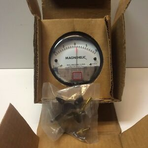 New Old Stock Dwyer Magnehelic 0 10 H2o Pressure Gauge Model 2320