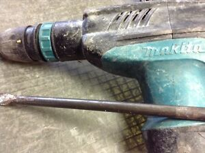 Makita Hm1203c 20 pound Variable Speed Corded Sds Max Demolition Hammer W Bit
