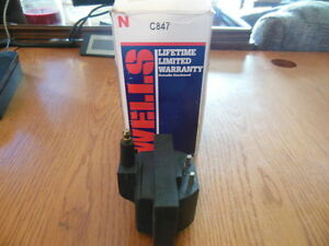 Wells C847 Ignition Coil For Some 84 90 Eagle Jeep Renault And 88 95 Volvo