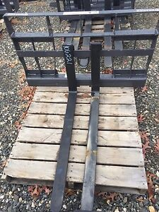 Compact Tractor Skid Steer Pallet Forks