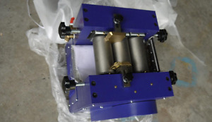 Three Roll Grinding Mill Grinder For Lab Applications 128mm Roller 5kg h