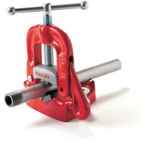 Ridgid 40100 4 In Hardened Alloy Bench Yoke Vise W Pipe Rest And Bender New