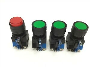 Lot Of 4 Idec Hw da1 Pushbutton Illuminated Light Switches Red Green Hw c10