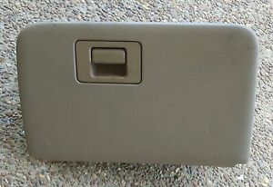 96 02 Ford Explorer 98 01 Mountaineer Non Locking Glove Box Assembly Tan