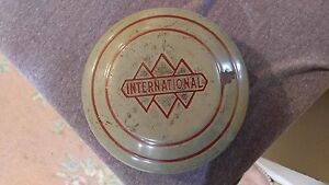Vintage International Hub Cap Dog Dish Hub Cap Original Finish Dent Free