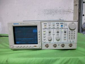 Tektronix Tds540 4 Channel Digitizing Oscilloscope