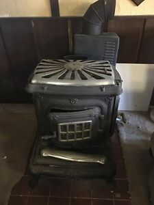 Vintage Cast Iron Wood Burning Parlor Stove No 24 Washington Stove Wks Everett