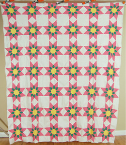 Eye Catching Vintage 30 S Touching Stars Star Flower Antique Quilt Top