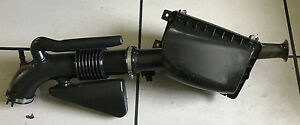 05 11 Town Car Grand Marquis Air Intake Tube Filter Box With New Air Filter