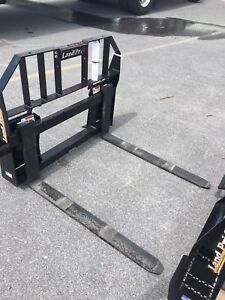 Land Pride Pfl2042 Quick Attach 2100 Lb Capacity Easy Adjustable Pallet Forks
