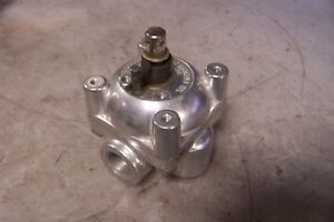 New Barksdale 4 way Manual Directional Air Control Valve 1 2 Npt Maintained