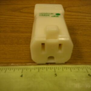 Hubbell Electrical Receptacle Outlet 10 lot Ivory 15a 125v Ac dc 3 wire 8119v