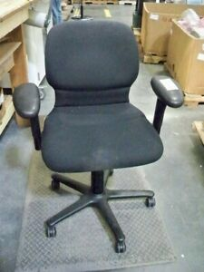 Steelcase 4581233h Black Rolling Office Chair Good Condition
