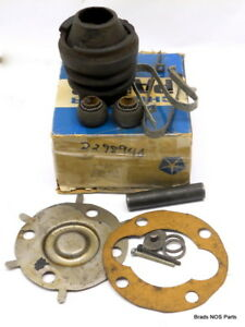 Nos Mopar 1956 65 Plymouth Chrysler Dodge Desoto Universal Joint Svc Pkg 2298940