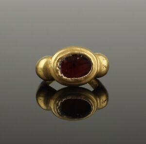 Ancient Roman Gold Garnet Ring 2nd Century Ad