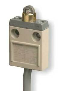 Miniature Limit Switch 240vac Omron D4c1702