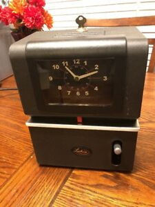 Latham 2121 Heavy Duty Manual Time Clock Recorder Includes Key