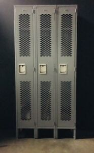 Full Lockers With 3 Sections 12 X 12 X 36 3 Doors In Excellent Condition